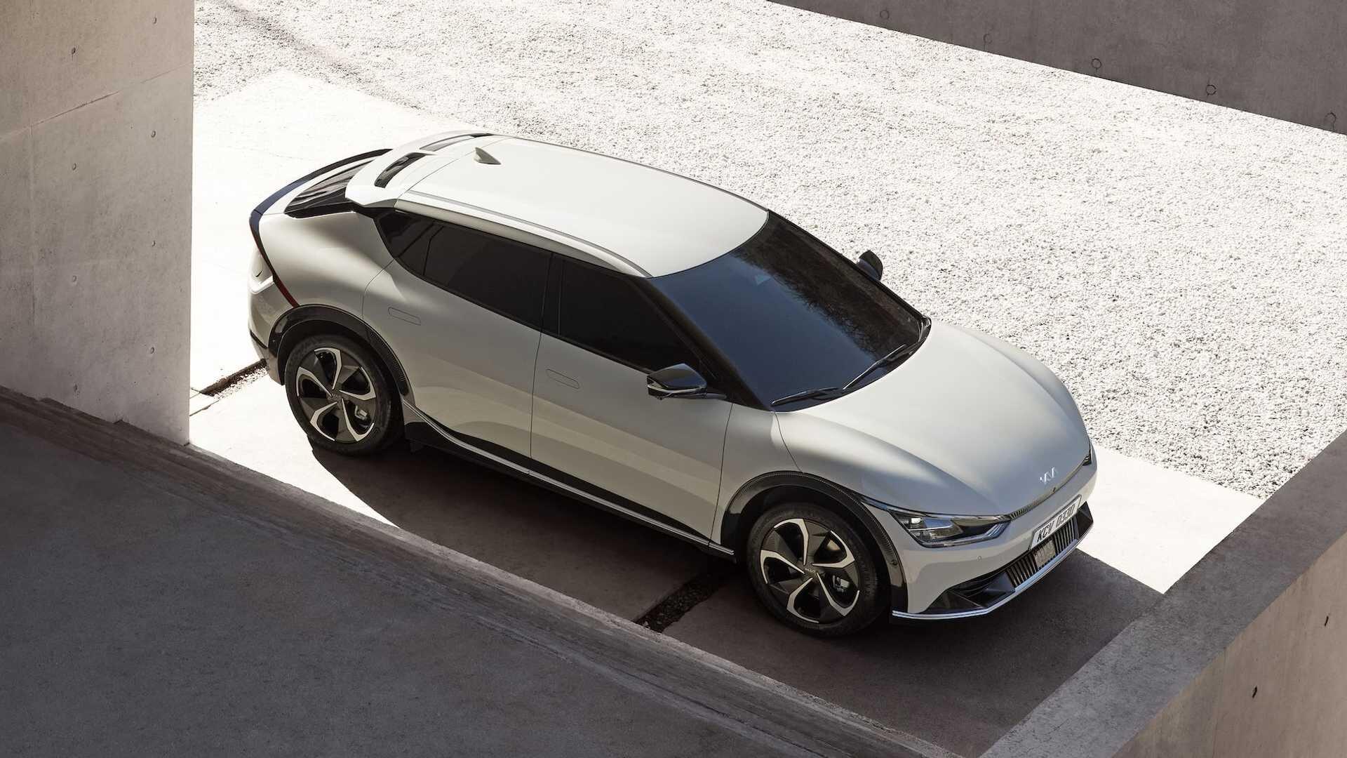 Полностью электрический кроссовер Kia EV6 будет представлен 30 марта