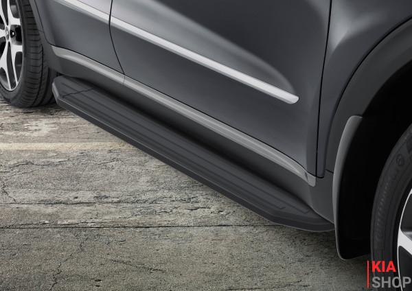 Пороги боковые черные Kia Sportage QL
